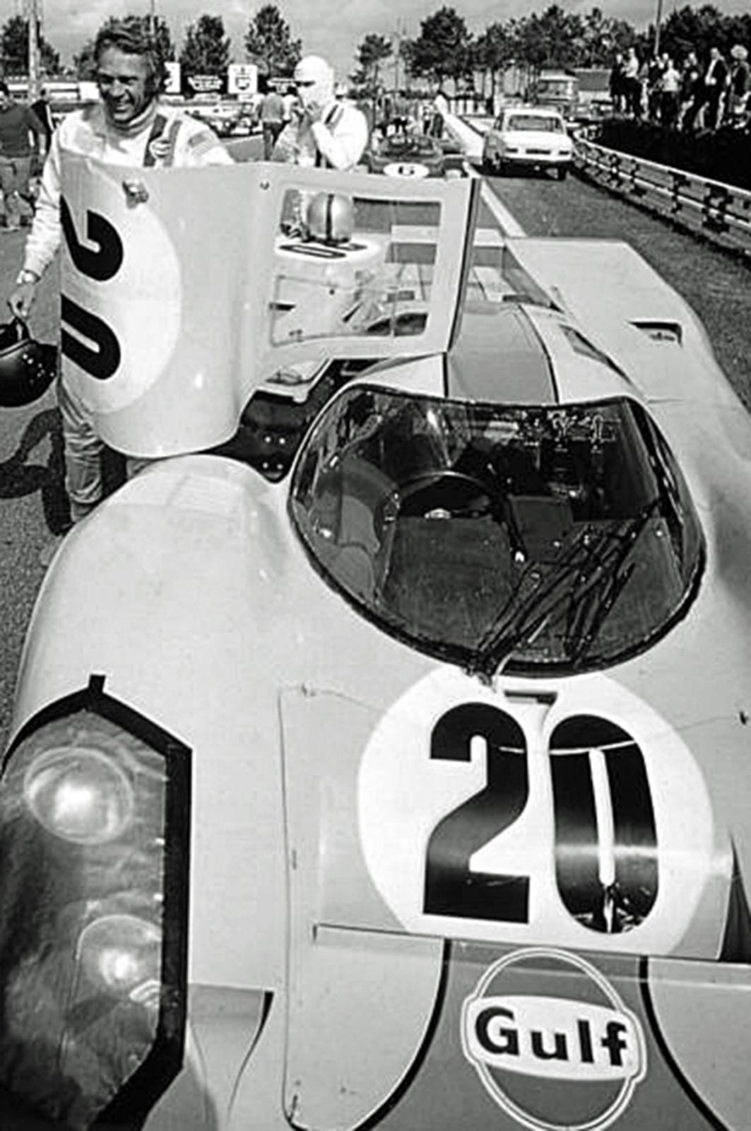 Steve McQueen mit Heuer Monaco in Le Mans